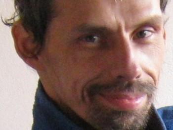 supi 50 éves társkereső profilképe