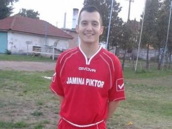 TonyMontana 27 éves társkereső profilképe
