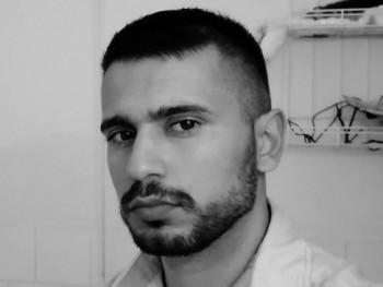 Alex94 26 éves társkereső profilképe