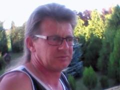 bj30 - 52 éves társkereső fotója