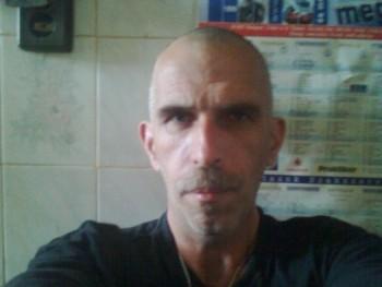 fefe64 56 éves társkereső profilképe