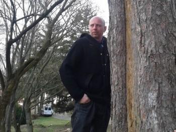Zolti 46 éves társkereső profilképe
