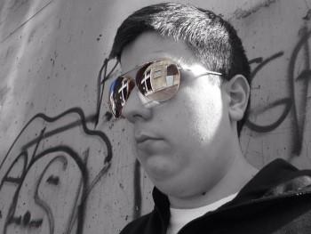 athis 28 éves társkereső profilképe