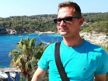 István31 34 éves társkereső profilképe
