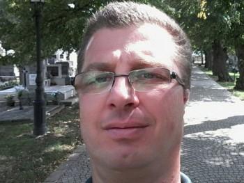 bolfi 46 éves társkereső profilképe