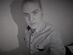 Viktor9812 - 21 éves társkereső fotója
