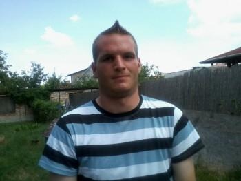 Viktor27 29 éves társkereső profilképe