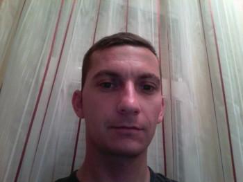 Johnnyibra 35 éves társkereső profilképe