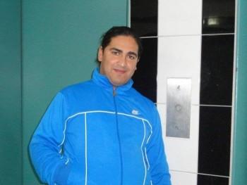 bari 32 éves társkereső profilképe