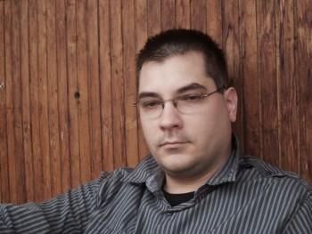 Gabor0621 40 éves társkereső profilképe