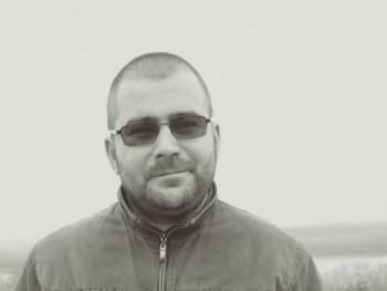 Ákos_4 36 éves társkereső profilképe
