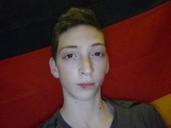 Hindlermate 19 éves társkereső profilképe