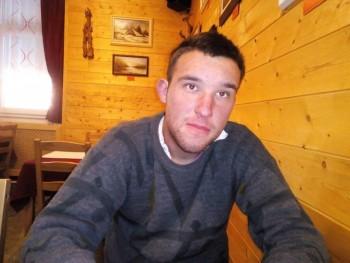 király norbi 22 éves társkereső profilképe