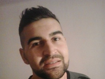 delete 31 éves társkereső profilképe