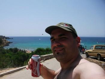 snooopy 40 éves társkereső profilképe