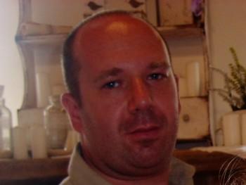 zsozso78 41 éves társkereső profilképe