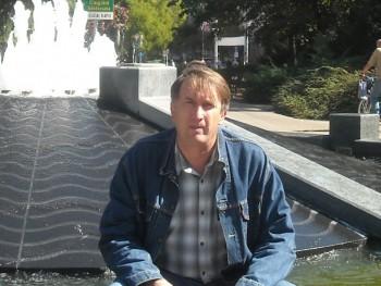 Sikorsky 58 éves társkereső profilképe