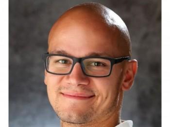 benosz 29 éves társkereső profilképe