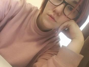 Gina0201 19 éves társkereső profilképe