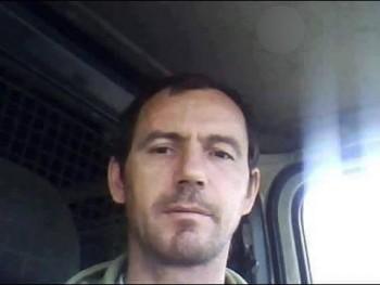 komisz 45 éves társkereső profilképe