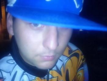 Tigi 32 éves társkereső profilképe