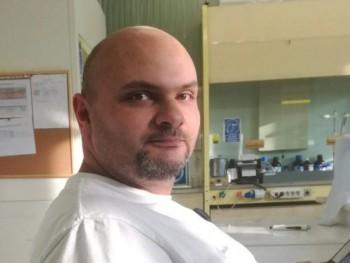 varadiandras 37 éves társkereső profilképe