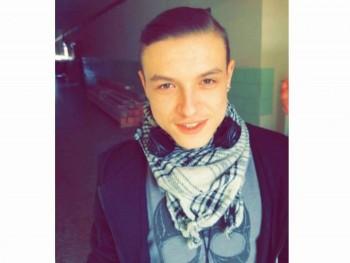 Tamás99 22 éves társkereső profilképe