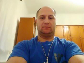 kozso770 43 éves társkereső profilképe