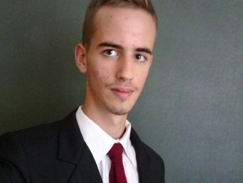 Bence03 20 éves társkereső profilképe
