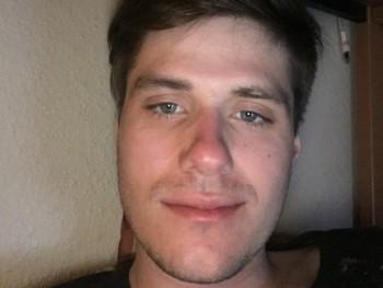 MilanKovacs 24 éves társkereső profilképe