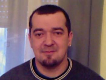 soad 48 éves társkereső profilképe