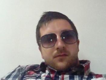 zames 28 éves társkereső profilképe