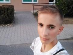Roderick - 18 éves társkereső fotója