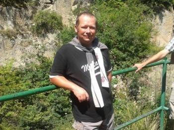 Csabika77 43 éves társkereső profilképe