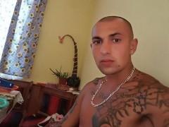 adam9678 - 23 éves társkereső fotója