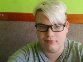 Vincent1 21 éves társkereső profilképe
