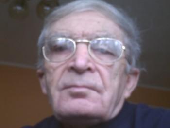 Öreglegény 74 éves társkereső profilképe
