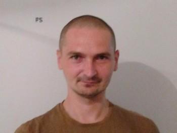 szupertehen 23 éves társkereső profilképe