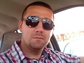 Richard28 32 éves társkereső profilképe