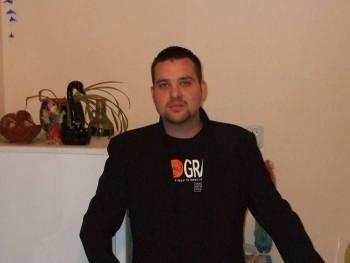 Gábor8801 32 éves társkereső profilképe