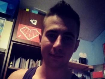 Dávid k 23 éves társkereső profilképe