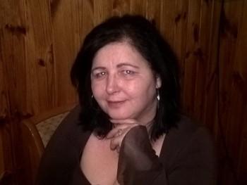 Tünde71 49 éves társkereső profilképe