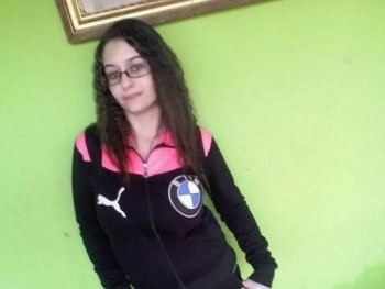 adrienkaa 22 éves társkereső profilképe