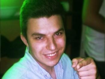 dagatt12 24 éves társkereső profilképe