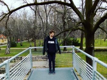 LLevi 18 éves társkereső profilképe