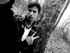 kevin13 - 19 éves társkereső fotója