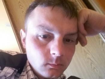 Róbert0822 39 éves társkereső profilképe