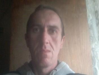 gondos dániel 40 éves társkereső profilképe