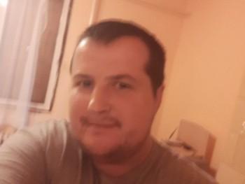 Ádám1987 34 éves társkereső profilképe