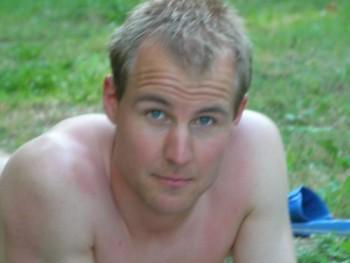 Mobil info. Dávid - társkereső Pécs - 41 éves férfi.